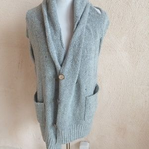 LUMIERE GREY VEST DECORATIVE HOLES M